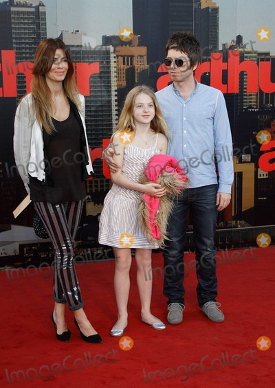 Anais Gallagher Photo - London UK 190411Noel Gallagher Anais Gallagher and Sara MacDonald at the European Premiere of the film Arthur held at Cineworld at the O2 Arena19 April 2011Keith MayhewLandmark Media