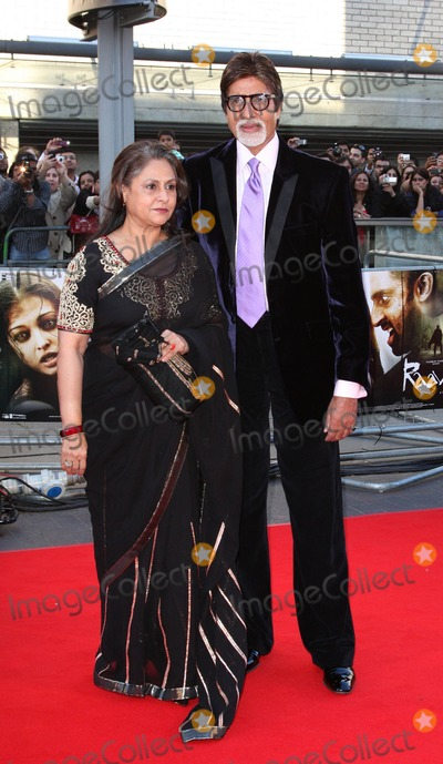 Amitabh Bachchan Photo - London UK Amitabh Bachchan at the World Premiere of Raavan held at the BFI South Bank London 16th June 2010Keith MayhewLandmark Media