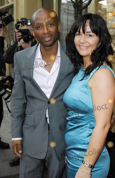 Andy Abraham Photo - London UK Andy Abraham and wife Diane at the Tesco Mum of the Year Awards held at the Waldorf Hotel in Aldwych London 2nd March 2008Keith MayhewLandmark Media