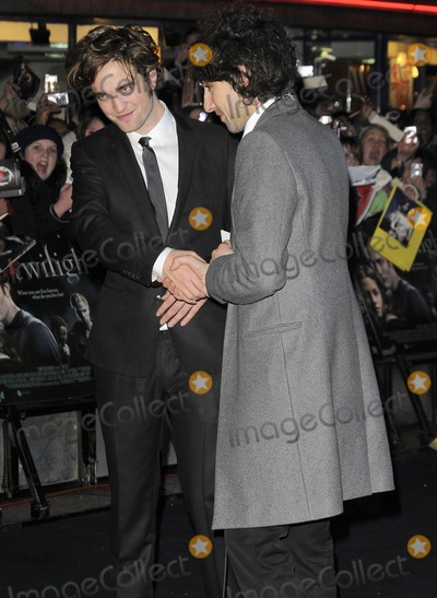 Alex Zane Photo - London UK Robert Pattinson and Alex Zane at the Premiere of Twilight held at the Vue West End Leicester Square in London  3rd December 2008Can NguyenLandmark Media