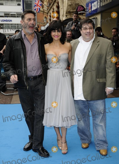 Andy Fickman Photo - LondonUK  Ciaran Hinds Carla Gugino and Andy Fickman at the UK premiere of the film  Race to Witch Mountain  held at the Odeon West End cinema5 April 2009 Can NguyenLandmark Media