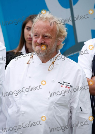 Antony Worral-Thompson Photo - London UK   Antony Worrall Thompson at the Taste of London  food and drink festival in Regents Park London 18th June 2009Rafe CookLandmark Media