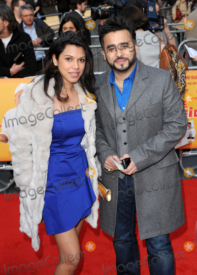 Ameet Chana Photo - LondonUK    Ameet Chana and guest  at the World Premiere of the film comedy The Infidel Hammersmith Apollo London 8th April 2010 Eric BestLandmark Media