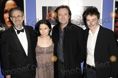 Andrea Corr Photo - London UK Andrea Corr and Neil Pearson at the Premiere of Pictures held at Cineworld Trocadero London 23rd April 2009Can NguyenLandmark Media