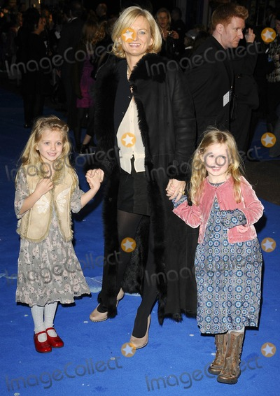 Alice Beer Photo - London UK Alice Beer and Daughters at the Monsters Vs Aliens UK Premiere held at the Vue Cinema on Leicester Square in London 11th March 2009Can NguyenLandmark Media