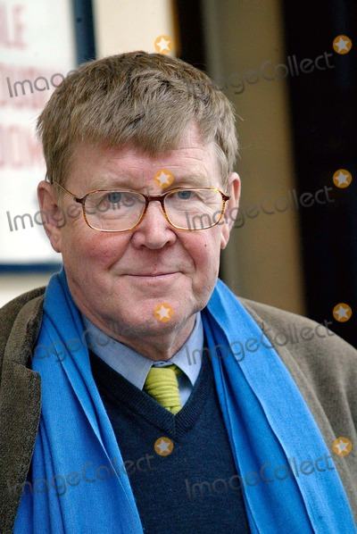 Alan Bennett Photo - London Drury LaneAlan Bennett playwright leaves the Critics Circle Theatre Awards 1st February 2005Picture by Lisle BrittainLandmark Media