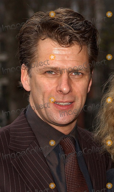 Andrew Castle Photo - London  Andrew Castle and wife at the Womans Own Children of Courage Awards at Westminster Abbey15 December 2004Eric BestLandmark Media