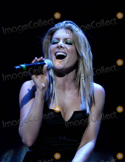 Natalie Bassingthwaighte Photo - London UK  Natalie Bassingthwaighte of the Australian techno-pop group Rogue Traders in concert at the Wembley Arena  26th May 2007  Simon CritchleyLandmark Media