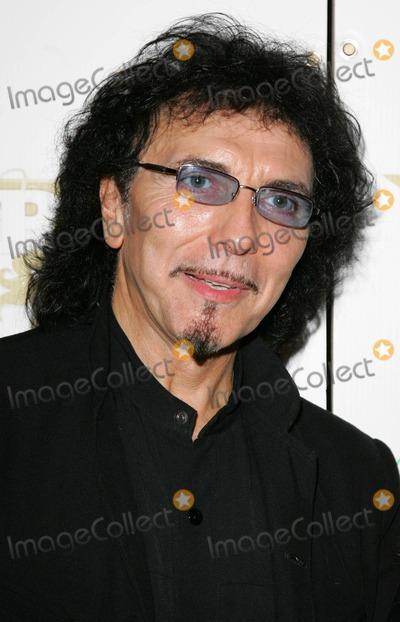 Tony Iommi Photo - London  Tony Iommi original member of Black Sabbath at the Classic Rock Awards held at the Landmark Hotel Marylebone5 November 2007Keith MayhewLandmark Media