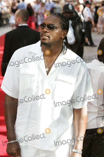 Audley Harrison Photo - London Audley Harrison at the UK Premiere of War of the Worlds held at the Odeon Leicester Square19 June 2005Keith MayhewLandmark Media