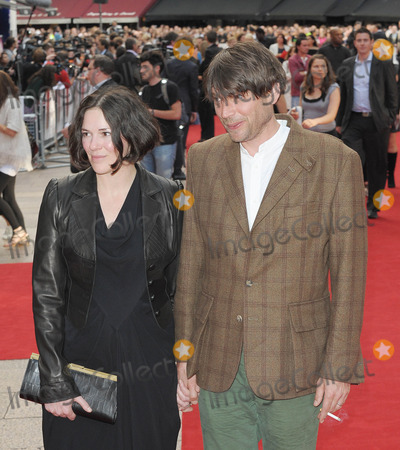 Alex James Photo - London UK Alex James and Claire James  at the UK Premiere of Inglourious Basterds held at the Odeon Leicester Square23rd July 2009Ali KadinskyLandmark Media