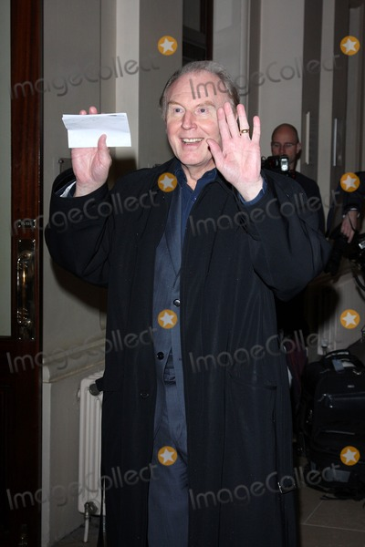 Tim Pigott-Smith Photo - London UK Tim Pigott Smith at the Evening Standard Theatre Awards held at the Royal Opera House in Covent Garden23 November 2009Keith MayhewLandmark Media
