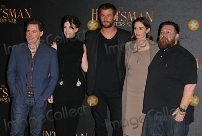 Alexandra Roach Photo - London UK Rob Brydon Alexandra Roach Chris Hemsworth Emily Blunt  Nick Frost  at the The Huntsman Winters War film photocall Claridges Hotel Brook Street London UK on Thursday 31 March 2016Ref LMK315- 60126-010416Can NguyenLandmark Media WWWLMKMEDIACOM