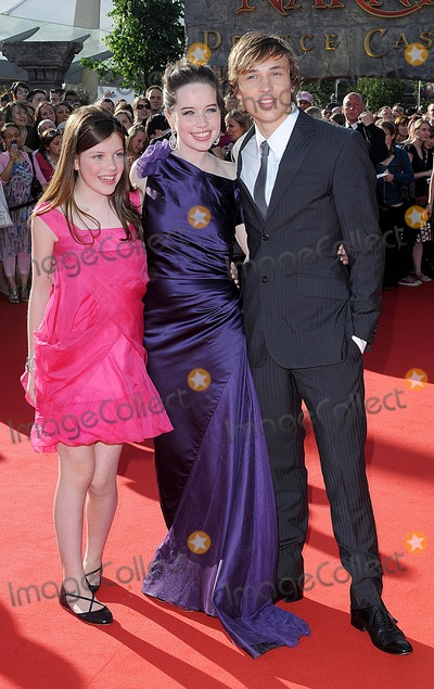 Anna Popplewell Photo - LondonUK L-R Georgie Henley Anna Popplewell and William Moseley   at the premiere of  their   film The Chronicles of Narnia Prince Caspian  at the 02 Arena London 19th June 2008 Eric BestLandmark Media