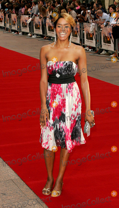Antonia Okonma Photo - London Antonia Okonma at the UK Charity Premiere of  You Me and Dupree at the Odeon Leicester Square22 August 2006Keith MayhewLandmark Media