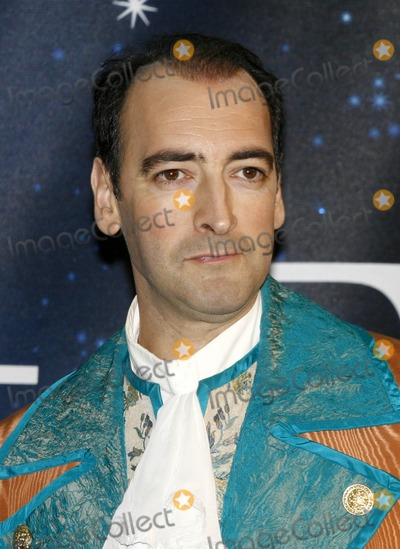 Alistair McGowan Photo - London UK Alistair McGowan at the Photocall to launch the 20089 Pantomime productions from First Family Entertainment held at the O2 Centre NW3 London 19th November 2008Ref  Lisle BrittainLandmark Media