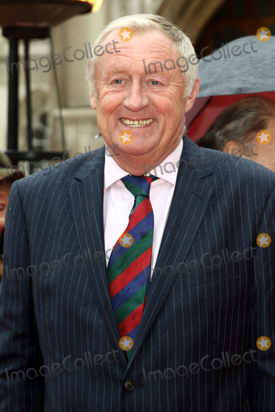 Chris Tarrant Photo - LondonUK Chris Tarrant  at The Sun Military Awards red carpet arrivals at the Guildhall London on 22nd January 2016 Ref LMK73-59167-230116Keith MayhewLandmark Media WWWLMKMEDIACOM