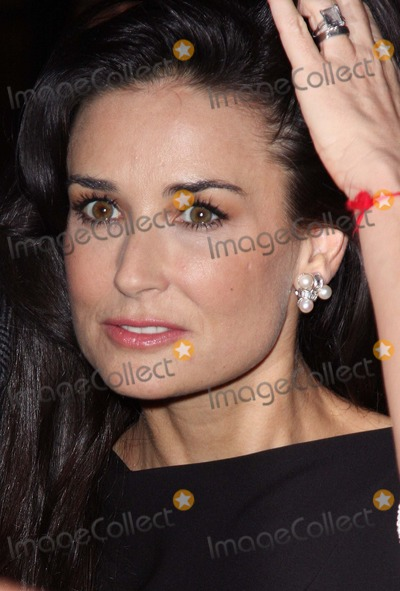 Demi Moore Photo - London UK Demi Moore at the  Charity Premiere of Flawless held at the Odeon Covent Garden London 26th November 2008Keith MayhewLandmark Media