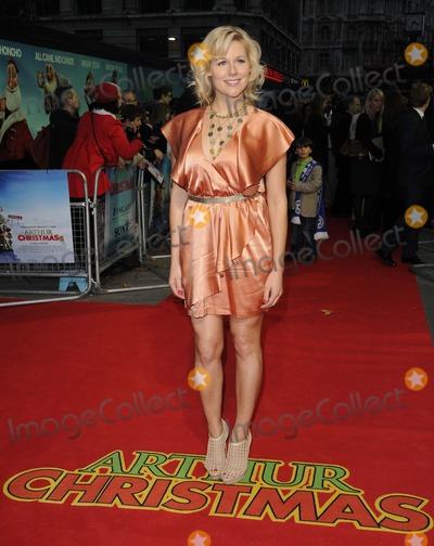 Abi Titmuss Photo - London UK Abi Titmuss  at the Premiere of  Arthur Christmas at the Empire Leicester Square 6th November  2011 Can NguyenLandmark Media