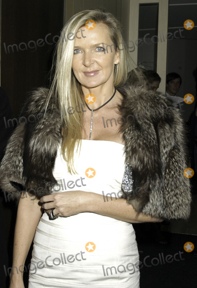 Amanda Wakely Photo - London Amanda Wakely at the Vogue List Launch Party Nobu Berkeley London 8th November 2005  Steve McGarryLandmark Media
