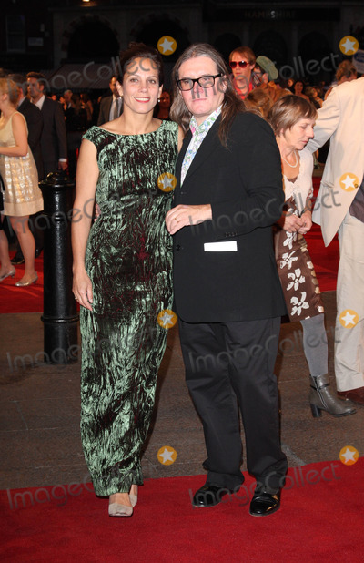 Stephen Woolley Photo - London UK Elizabeth Karlsen and Stephen Woolley at the World Premiere of Made In Dagenham at the Odeon Leicester Square London 20th September 2010Keith MayhewLandmark Media