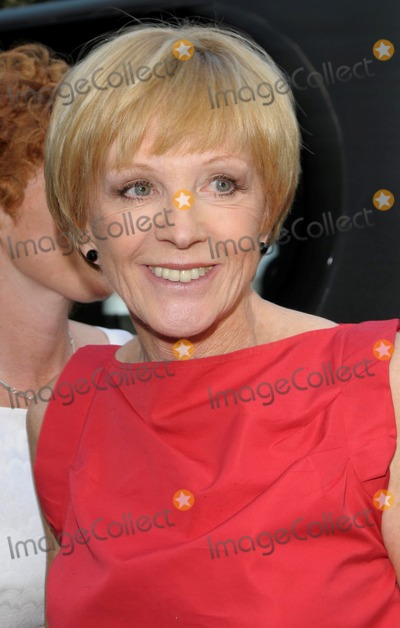 Anne Robinson Photo - London UK  Anne Robinson  arriving at the David Frost Summer Party at Carlyle Square in London 2nd July 2009 SydLandmark Media