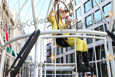Vivienne Westwood Photo - London UK Dame Vivienne Westwood takes part in a photocall which sees her suspended 10ft high inside a giant bird cage outside The Old Bailey in protest against the extradition of Julian Assange Old Bailey London on July 21st 2020Ref LMK73-J6674-210720Keith MayhewLandmark MediaWWWLMKMEDIACOM