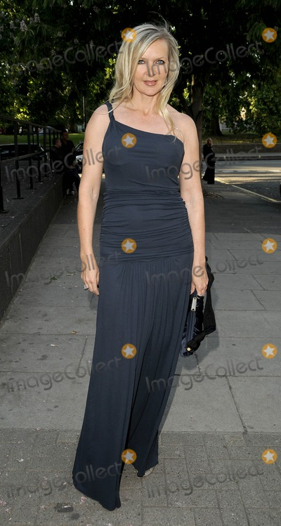 Amanda Wakeley Photo - London UK Amanda Wakeley at the Royal College of Arts Summer Fashion Show arrivals held at the RCA in London 11th June 2009Can NguyenLandmark Media