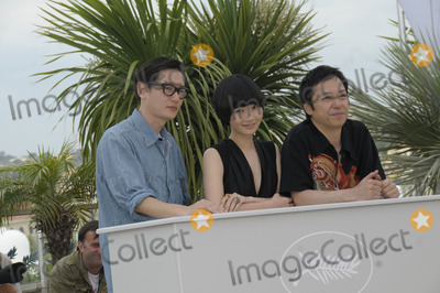 Hirokazu Koreeda Photo - Cannes France Arata  Hirokazu Koreeda Bae Doo Na and Itsuji Itao at the Air Doll photocall at the Cannes Film Festival 13th May 2009SydLandmark Media