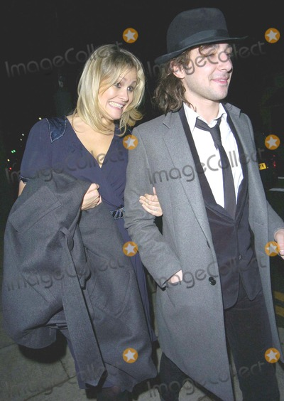 Alex Zane Photo - London UK Alex Zane and guest  at the Elle Style Awards after party held at the Roundhouse 12th February 2007  Can NguyenLandmark Media