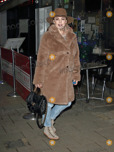 Leicester Square Photo - London UK Kelly Brook   arrives at Global Radio Studios in Leicester Square London on 10th December 2020Ref LMK73-J6774-111220Keith MayhewLandmark MediaWWWLMKMEDIACOM