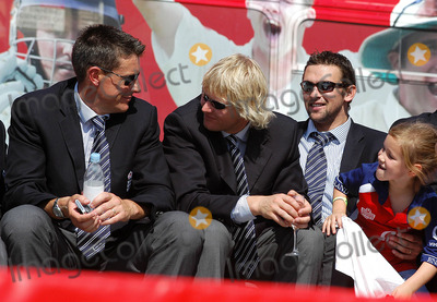 Ashley Giles Photo - LondonAshley Giles Mathhew Hoggard and Steve Harmison celebrate winning the Ashes back afer 18 years at the victory parade that ended in Trafalgar Square Thousands of fans made an appearance to cheer on their new heros The event has been compared to England winning the Rugby World Cup in 2003 and also the Football World Cup in 1966September 13th 2005Picture by Ali KadinskyLandmark Media