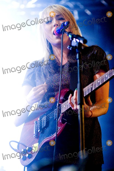 The Ting Tings Photo - Leeds Yorkshire UK The Ting Tings performs on stage at the Leeds Festival Day 3 24th August 2008Viktor WallstromFestivalphotoLandmark Media