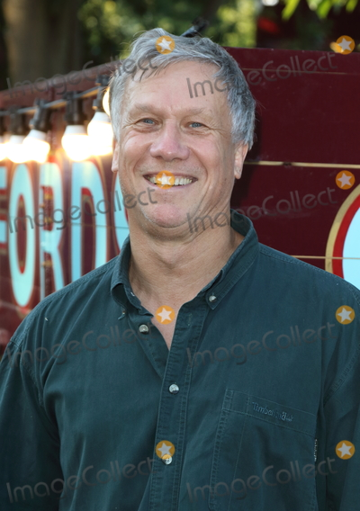 Peter Duncan Photo - LondonUK  Peter Duncan  at the Giffords Circus Press Night at the Chiswick House and Gardens Chiswick London  28th June 2018RefLMK73-S1492-290618Keith MayhewLandmark MediaWWWLMKMEDIACOM