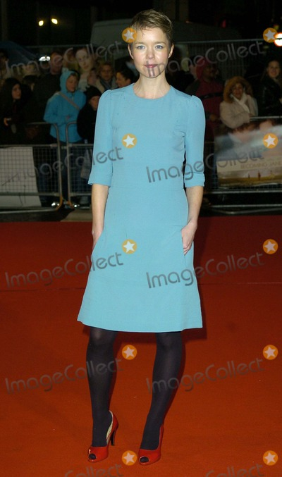 Anna Maxwell-Martin Photo - London UK Anna Maxwell Martin   at the World Premiere of her  film  Becoming Jane at the Odeon West End Leicester Square  4th  March 2007 Can NguyenLandmark Media