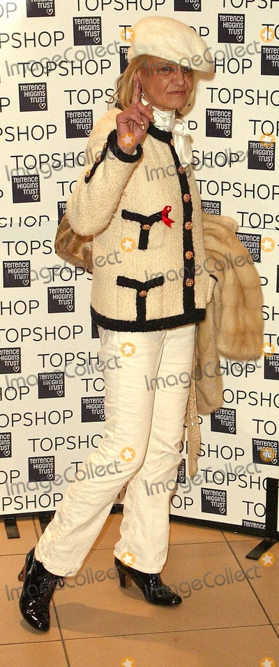 Anita Pallenberg Photo - London  Anita Pallenberg at the Topshop Jumbo Thrift Sale -  sale of vintage garments donated by fashion houses such as YSL Valentino Armani and Gucci Proceeds go to the Terrence Higgins Trust for World Aids Day Held at Topshop Oxford Street1 December 2004Paul AshbyLandmark Media
