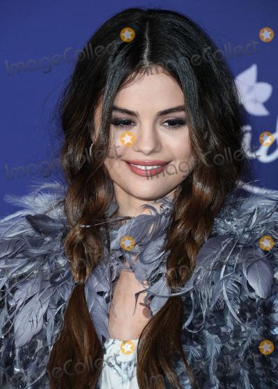 Selena Gomez Photo - HOLLYWOOD LOS ANGELES CALIFORNIA USA - NOVEMBER 07 Selena Gomez arrives at the World Premiere Of Disneys Frozen 2 held at the Dolby Theatre on November 7 2019 in Hollywood Los Angeles California United States (Photo by Xavier CollinImage Press Agency)