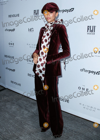 Front Row Photo - MANHATTAN NEW YORK CITY NEW YORK USA - SEPTEMBER 05 Actress Zendaya Coleman wearing a Tommy x Zendaya outfit arrives at Daily Front Rows 2019 Fashion Media Awards held at The Rainbow Room at the Rockefeller Center on September 5 2019 in Manhattan New York City New York United States (Photo by Xavier CollinImage Press Agency)