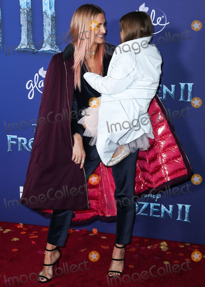 Ashlee Simpson Photo - HOLLYWOOD LOS ANGELES CALIFORNIA USA - NOVEMBER 07 Ashlee Simpson and Jagger Snow Ross arrive at the World Premiere Of Disneys Frozen 2 held at the Dolby Theatre on November 7 2019 in Hollywood Los Angeles California United States (Photo by Xavier CollinImage Press Agency)