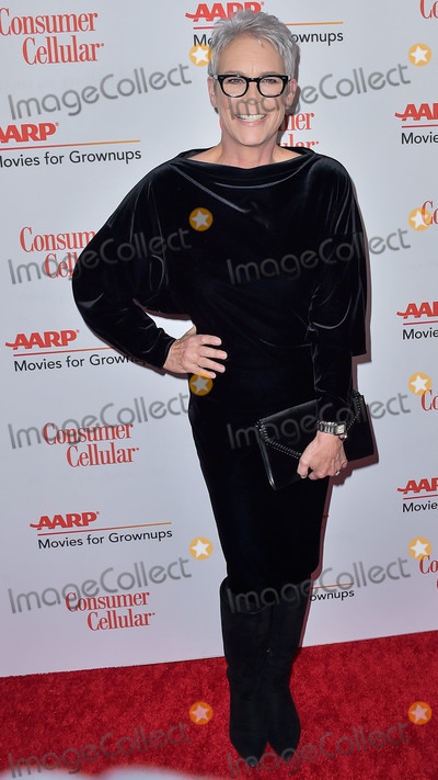 Jamie Sal Photo - BEVERLY HILLS LOS ANGELES CALIFORNIA USA - JANUARY 11 Jamie Lee Curtis arrives at AARP The Magazines 19th Annual Movies For Grownups Awards held at The Beverly Wilshire Four Seasons Hotel on January 11 2020 in Beverly Hills Los Angeles California United States (Photo by Image Press Agency)