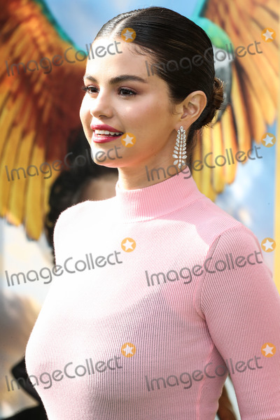 Selena Gomez Photo - WESTWOOD LOS ANGELES CALIFORNIA USA - JANUARY 11 Singer Selena Gomez wearing Givenchy arrives at the Los Angeles Premiere Of Universal Pictures Dolittle held at the Regency Village Theatre on January 11 2020 in Westwood Los Angeles California United States (Photo by Xavier CollinImage Press Agency)