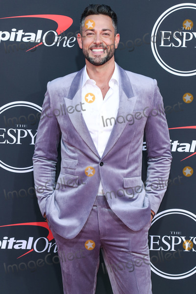 Zachary Levi Photo - LOS ANGELES CALIFORNIA USA - JULY 10 Actor Zachary Levi wearing Dzojchen suit Kenneth Cole sneakers and Garrett Leight sunglasses arrives at the 2019 ESPY Awards held at Microsoft Theater LA Live on July 10 2019 in Los Angeles California United States (Photo by Xavier CollinImage Press Agency)