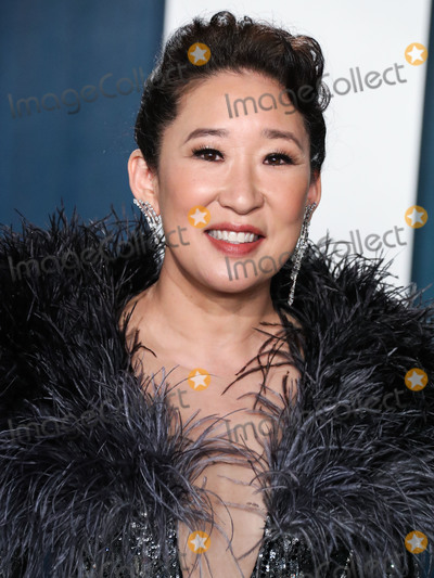 Sandra Oh Photo - BEVERLY HILLS LOS ANGELES CALIFORNIA USA - FEBRUARY 09 Sandra Oh arrives at the 2020 Vanity Fair Oscar Party held at the Wallis Annenberg Center for the Performing Arts on February 9 2020 in Beverly Hills Los Angeles California United States (Photo by Xavier CollinImage Press Agency)
