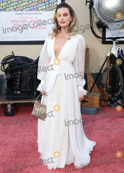 Margot Robbie Photo - HOLLYWOOD LOS ANGELES CALIFORNIA USA - JULY 22 Actress Margot Robbie wearing Chanel arrives at the World Premiere Of Sony Pictures Once Upon a Time In Hollywood held at the TCL Chinese Theatre IMAX on July 22 2019 in Hollywood Los Angeles California United States (Photo by Xavier CollinImage Press Agency)