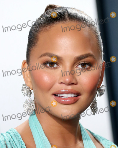 Chrissie Teigen Photo - BEVERLY HILLS LOS ANGELES CALIFORNIA USA - FEBRUARY 09 Chrissy Teigen arrives at the 2020 Vanity Fair Oscar Party held at the Wallis Annenberg Center for the Performing Arts on February 9 2020 in Beverly Hills Los Angeles California United States (Photo by Xavier CollinImage Press Agency)
