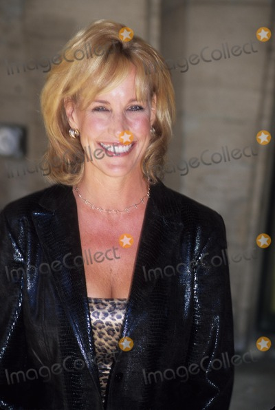 Erin Brockovich-Ellis Photo - Erin Brockovich Ellis Redbooks 2000 Nother and Shakers at Avery Fisher Hall in New York 2000 K19669rm Photo by Rick Mackler-Globe Photos Inc