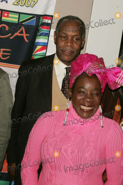 Rita Marley Photo - DANNY GLOVER AND RITA MARLEY PRESENT BOB MARLEY CINEMATIC TRIBUTE AT THE NEW YORK AFRICAN FILM FESTIVAL WITH A SCREENING OF AFRICA UNITEWALTER READE THEATRE NEW YORK CITY   04-07-2007PHOTOS BY RICK MACKLER RANGEFINDER-GLOBE PHOTOS INC2007RITA MARLEY AND  DANNY GLOVERK52477RM
