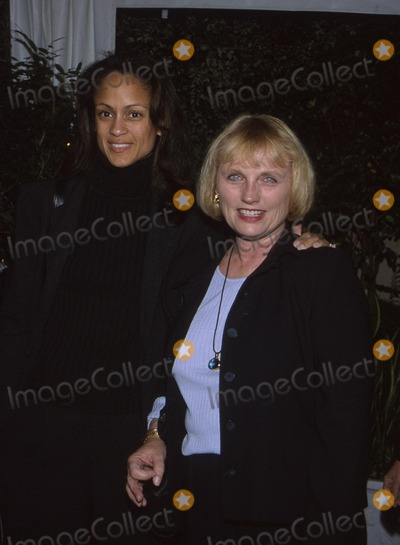 Anne Marie Photo -  Made in America Creative Coalition Form Four Seasons Hotel LA CA 11012001 Anne Marie Johnson and Tess Harper Photo by Amy GravesGlobe Photosinc