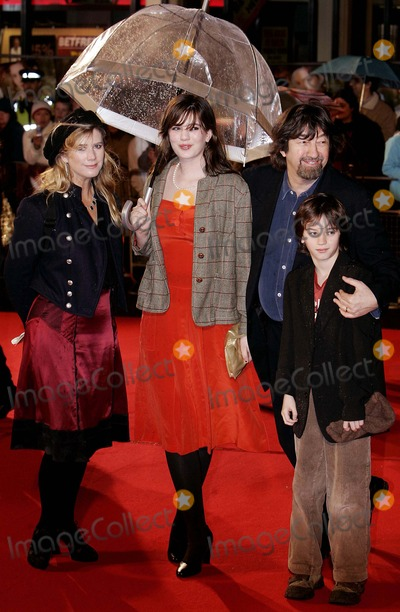 Trevor Nunn Photo - Imogen Stubbs  Trevor Nunn Actress  Arrive Together For the World Premiere of Becoming Jane at the Odeon West End Leicester Square in London 03-04-2007 Photo by Allstar-Globe Photos