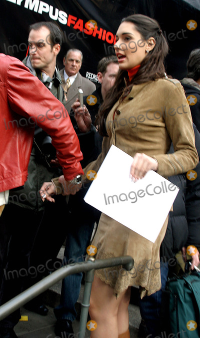 Amelia Vega Photo - Celebrities Arriving For the Olympus Fashion Week Oscar DE LA Renta Fall 2004 Collection at Bryant Parkin New York City 292004 Photo Byrick MacklerrangefindersGlobe Photos Inc 2004 Amelia Vega